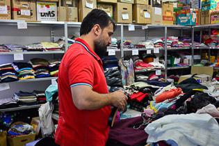 DRK Mitarbeit in Kleiderläden